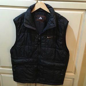 Vintage 90s nike acg puffer vest jacket m black